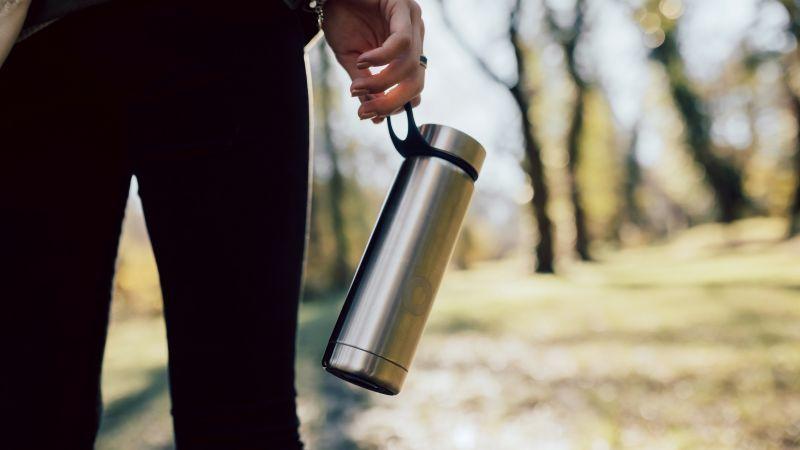 Nog beter: vermijd het kopen van (fris)dranken en hervul een eigen herbruikbare fles met (fruit)water