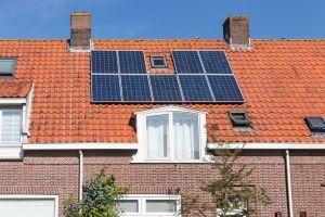 57 procent Nederlanders schat prijs zonnepanelen te hoog in